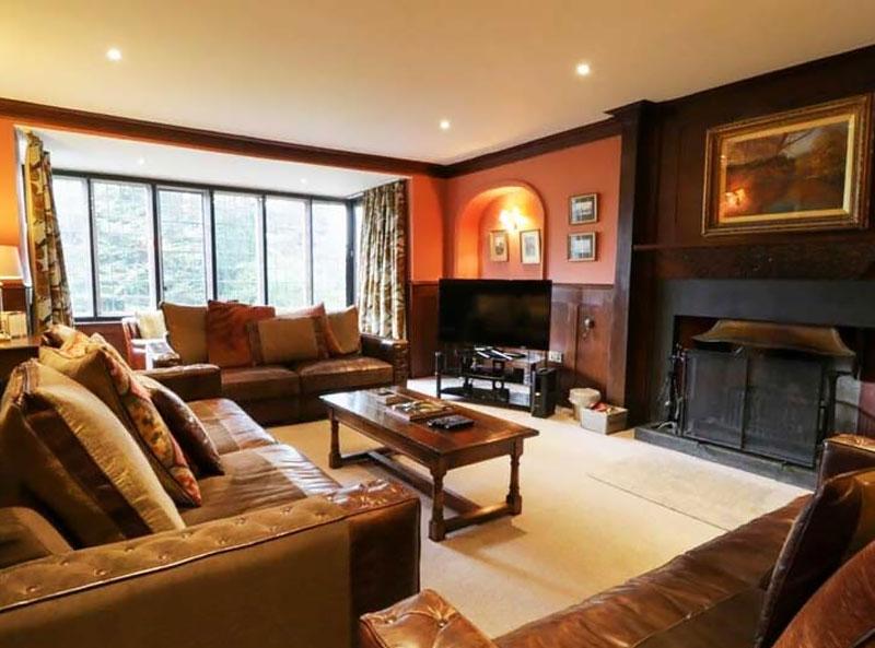 Ladstock Hall livingroom